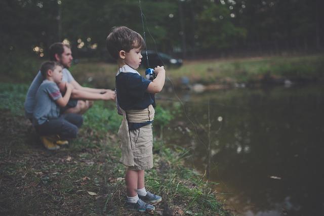 chlapci, muž, rybaření