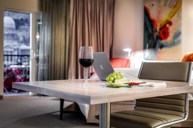 židle, stůl, víno, hrozny, sýr