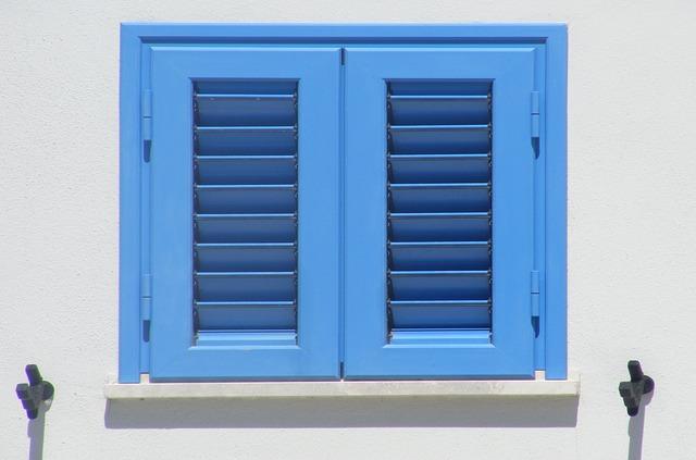 roletové dveře