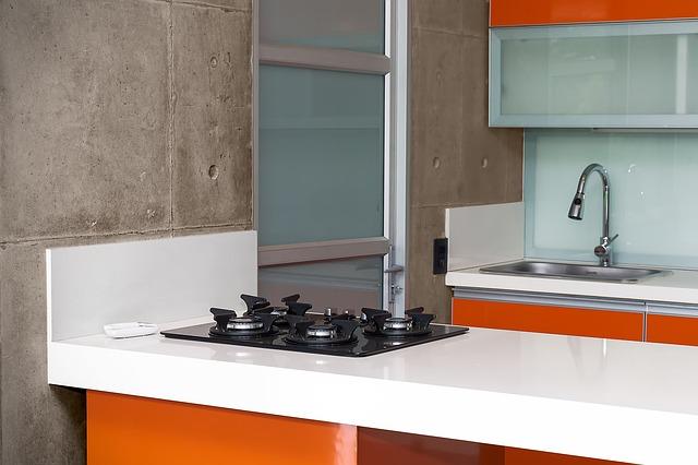 oranžová kuchyň
