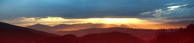 panoramatický východ slunce.jpg