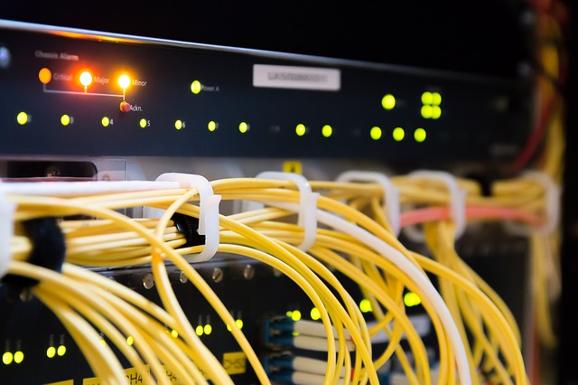 Propojení kabelů v serverovně