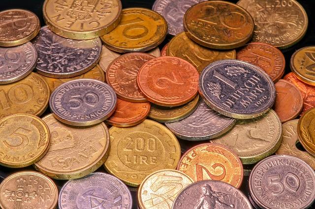 různobarevné mince