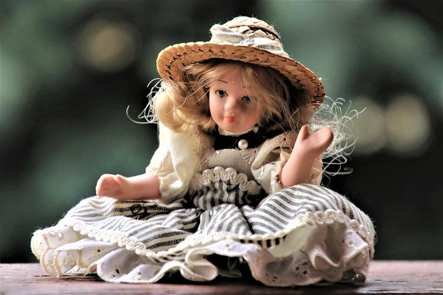 panenka s kloboukem