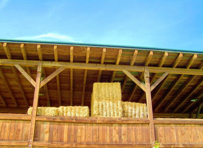 hranoly se využijí na stavbu stodoly